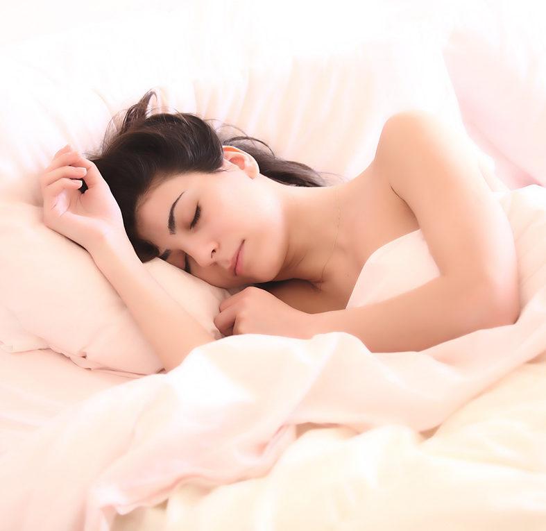 Vuoi sapere cosa unisce rughe e cuscino?