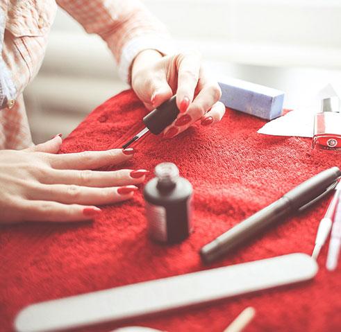 Estetista Amica - News smalto unghie
